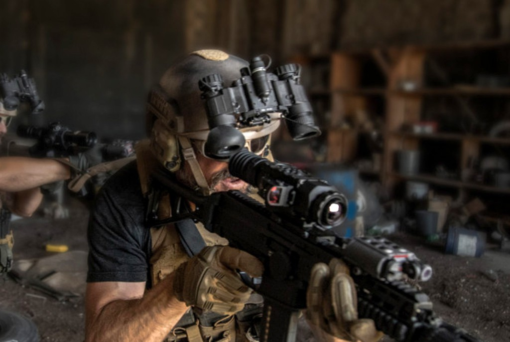 Image of AGM NVG-40  Night Vision Goggle System - Gen 2+ Photonis